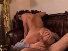 European babe knows how to fuck