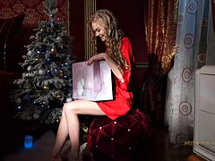Lovely Blonde With Stockings Plays With Vagoo