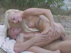 Blonde feels a cock ravaging her pussy and she loves it