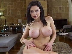 Aletta Ocean playing with her bum