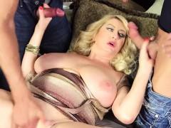 Sexy Amber loves fresh cocks