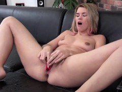 Charming girl is pissing and pleasuring trimmed quim