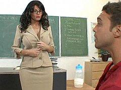Gros seins, Brunette brune, Domination, Femelle, Mère que j'aimerais baiser, Bureau, Piercing, Professeur