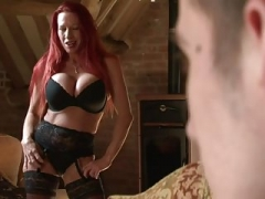 Britannique, Actrice du porno, Jarretelles