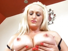 Good-looking grown-up UK mom with fabulous tits
