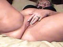 Chunky thick plump wife toy & toy screaming orgasm
