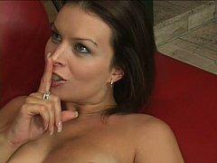 Gros seins, Brunette brune, Tir de sperme, Grossier, Femme au foyer, Mère que j'aimerais baiser, Maman, Épouse