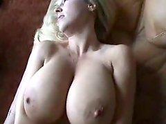 Blondine, Vollbusig, Spermaladung, Aufs gesicht abspritzen, Ehefrau