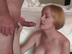 Fun With Dilettante GILF In Bed