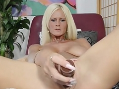 Grown-up Olivia Blu uses a good dildo