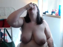 Big beautiful women porky chick strips on live camera