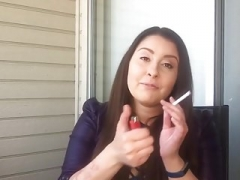 Perra, Fumando