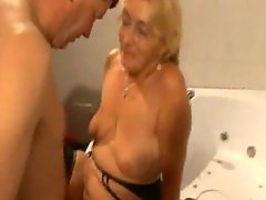 Aged in stockings gets down and dirty in the bathroom