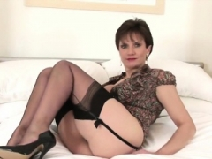 Unfaithful british soccer mom dame sonia presents her large breasts