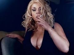 Mooie dikke vrouwen, Roken, Softcore pornografie