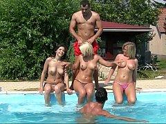 Rubia, Morena, Europeo, Grupo, Orgía, Fiesta, Piscina, Adolescente