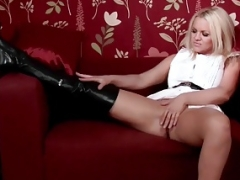 Dirty blonde gal Frankie wanks in sexy black leather boots