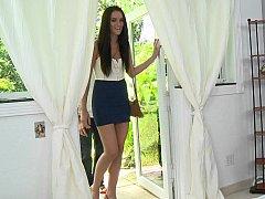 Long legged MILF Bianca Breeze