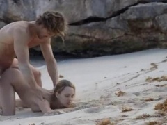 Exquisite sex on the beach in art vid