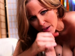 Julia Ann is single! She's looking for a younger male!