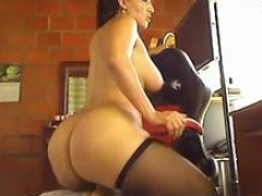 Colombian mommy with bombastic sizeable ass and also juicy jugs