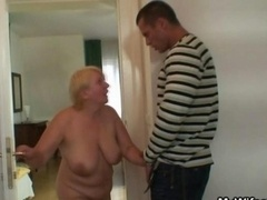 Wanking mature bag gets busted and screwed