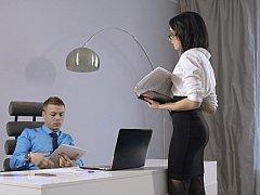 Tussi, Blasen, Bekleidet, Europäisch, Nackt, Büro, Sekretärin, Ablutschen