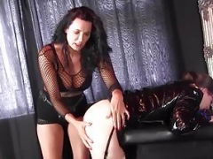 Strapon Jane makes love lesbo peach ass hoe with huge strapon