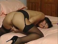British Slut Talks Dirty In play With Herself