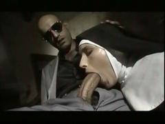 Nuns Must Be Crazy-4- Nun Paying He Debt