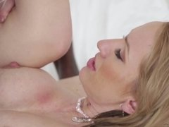 A black guy enters a hot blonde in her tight pussy in front of a cuck
