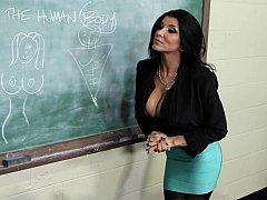 Brunette brune, Plantureuse, Hard, Léchez, Mère que j'aimerais baiser, Bureau, Chatte, Professeur