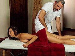 18 jahre, Vollbusig, Massage, Natürlich, Natürlichen titten, Muschi, Jungendliche (18+), Jungfrau