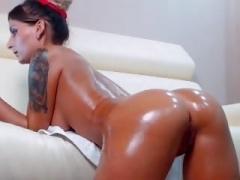 Hot Non-professional Slut Shakes her Oiled Butt on Webcam