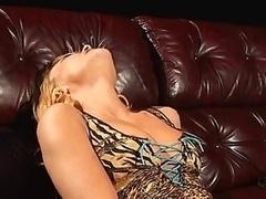 Cytherea seeks to orgasm