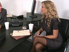 Блондинки, Смазливые, Секс без цензуры, Каблуки, Белье, Милф, В офисе, Чулки