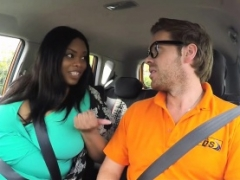 Porky ebony banged in driving school car