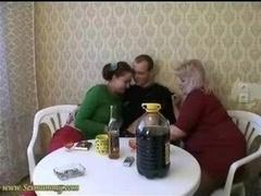 Две девушки, Русские