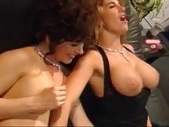 Hot vintage lesbo group sex