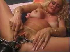 EXTREME ... !!! Impressive Lady !!! She dildoing her peehole