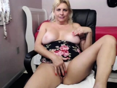 Hot blonde with large bra buddies getting hand drilled