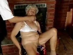 Shaggy Granny loves sextoys