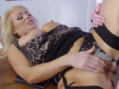 Soccer mom creampie & bosss buddy gets down and dirty mom explicit Having Her Way With A Dilettante