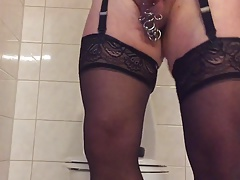 Pierced trany playing with large dildo