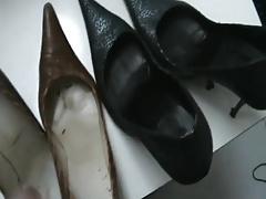 Friend heels