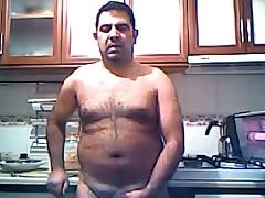 Turkish daddy wanking in the kitchen