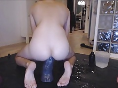 Hot young Twink use extrem Big Dildos