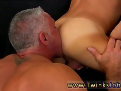 Luxurious and bulky hunk gets rimmed & banged