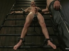 Christian Wilde plays with Trent Diesel's cock before smashing his butt