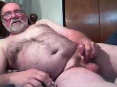 Cuddly papa bear